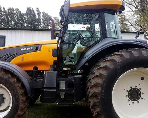 Valtra BT 210. Impecable
