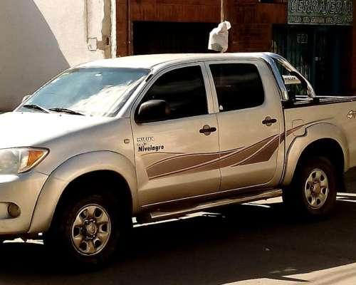 Hilux D/cab 4X4 2,5 2006