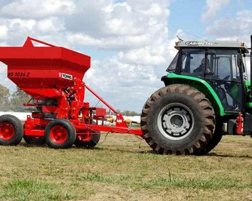 Esparcidora de Fertilizante Rd/rdp 3036 Marca Yomel
