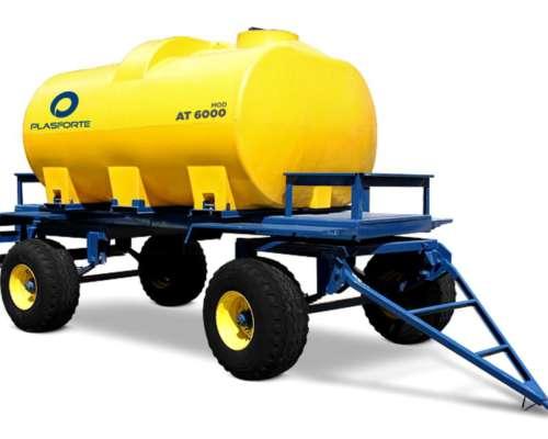Acoplado Tanque. Tanque Plástico Mod. 6000