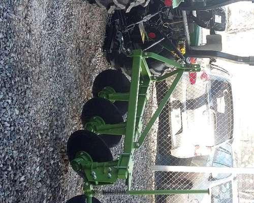 Tractor 30 HP 4X4 Doble Tracción con 3 Puntos Tipo Hanomag
