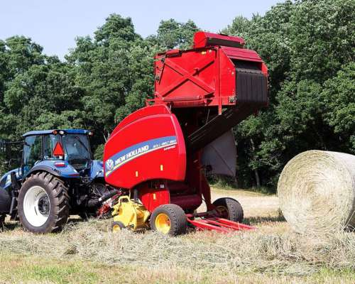 Rotoenfardadora New Holland RB 460con Cuter