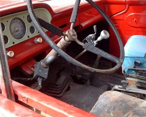 Ford 600 con Volcadora