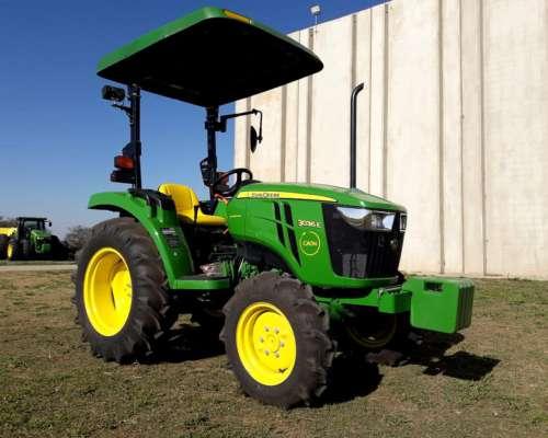 Tractor John Deere 3036e.