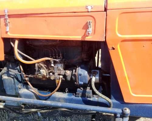 Tractor Fiat 700e en Buen Estado