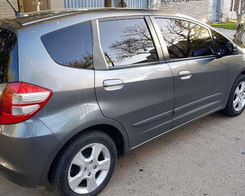 Vendo Honda FIT 2011 1.4 Caja Manual 100 Mil km Única Mano