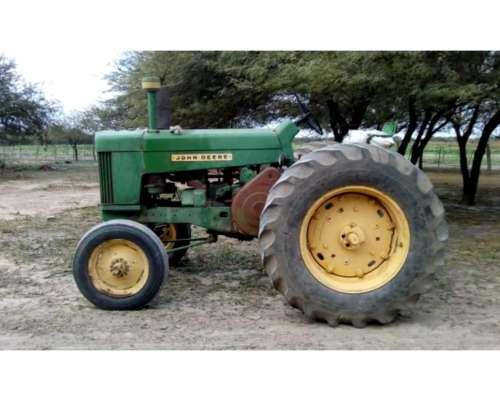 Vendo Tractor John Deere 730