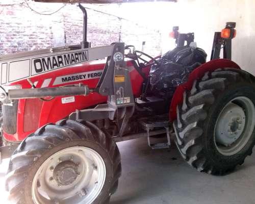 Tractor Massey Ferguson 2625 4wd con Pala.