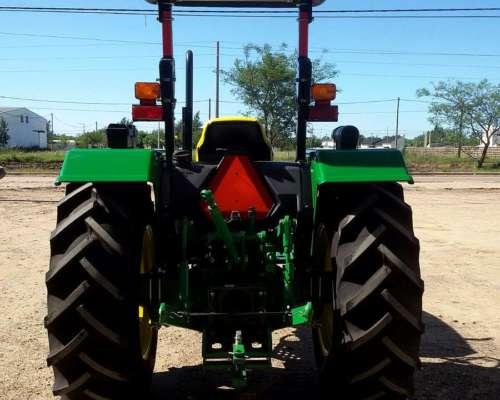 Vendo Tractor John Deere 5065, Doble Traccion, Nuevo
