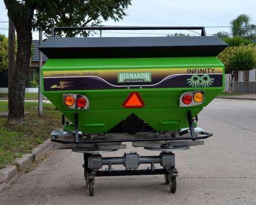 Fertilizadora Bernardin Infinity FS 1250 Susp.