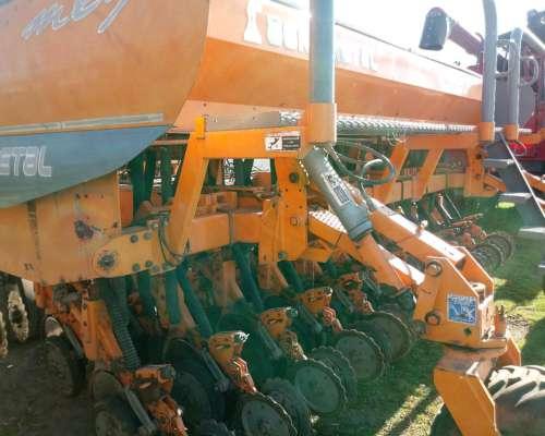Sembradora Agrometal Mxy De 23 A 21 Cm.