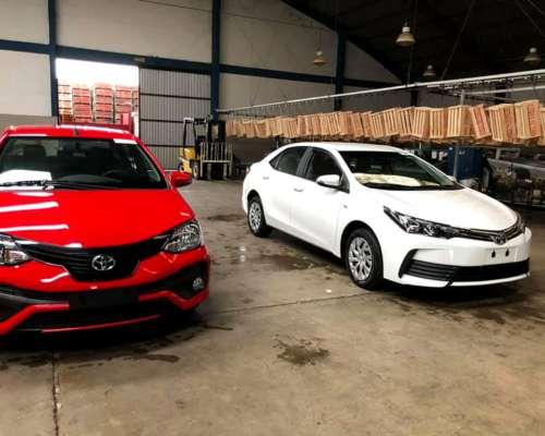Toyota Etios XLS 1.5 6m/t 4p