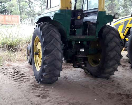 Tractor John Deere 3330 Rodado 18.4x34