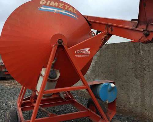 Inoculadora Gimetal 2500 Kg con Noria -vendo o Permuto-