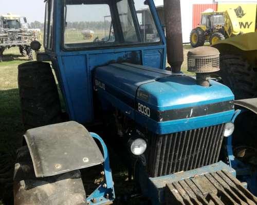 New Holland 8030 .