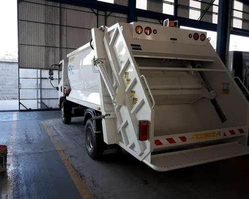 Camion Agrale Con Compactador Scorza