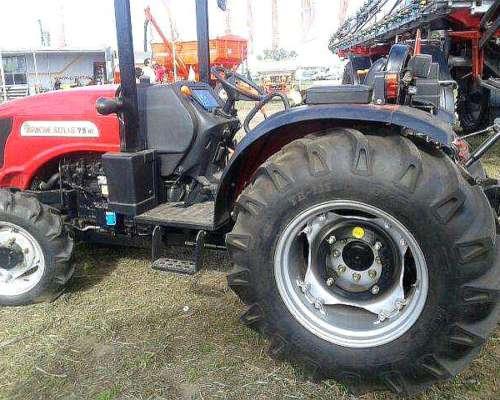 . Tractor Compacto .