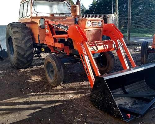 Tractor Fiat 900 con Pala
