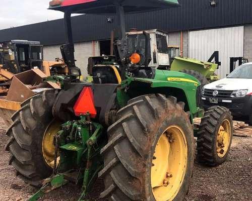 Tractor John Deere 5725 (92 HP) 2300 Hs - Oferta Contado