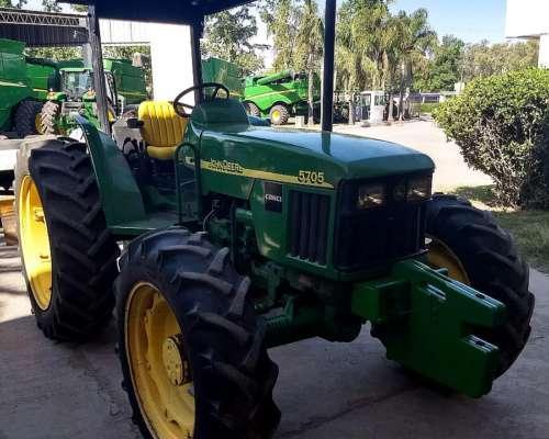 Tractor John Deere 5705 año 2008 con Garantía