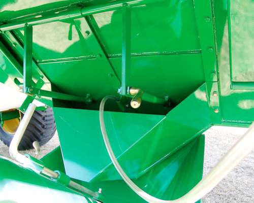 Acoplado Para Semillas Y Fertilizantes Akron Ag 22