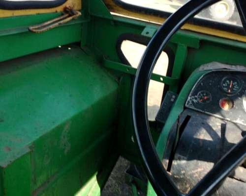 Tractor John Deere 3530,
