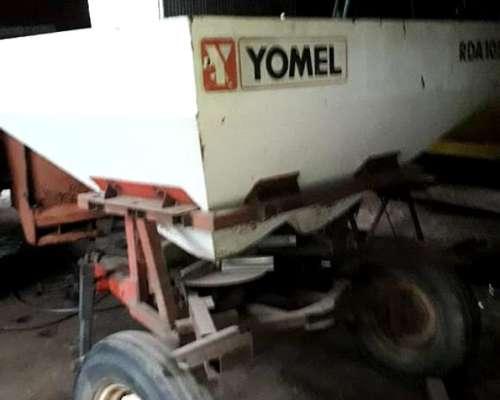 Fertilizadora Yomel RDA 1050 Bidisco con Cubiertas