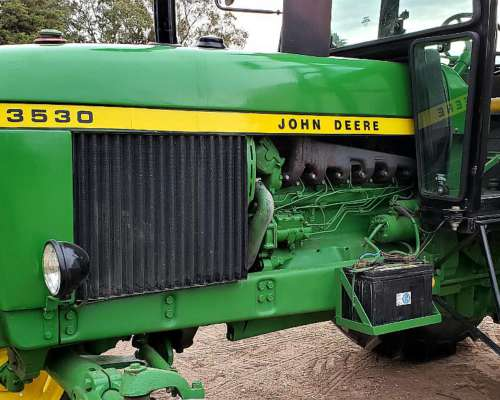 John Deere 3530 - 4X2 - Cabina Nueva