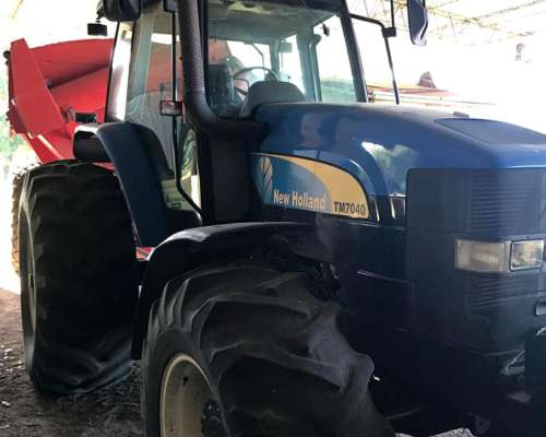 Tractor New Holland 7040
