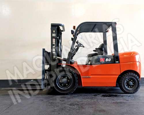 Autoelevador Heli 5000 Kg Diesel Mitsubishi CPCD50 Desplazad