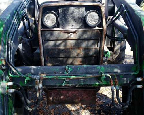 Tractor Marca Massey Ferguson Modelo 1175 C/pala