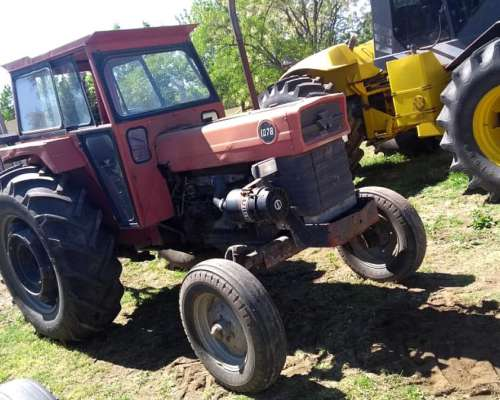 Massey Ferguson 1078 año 1977