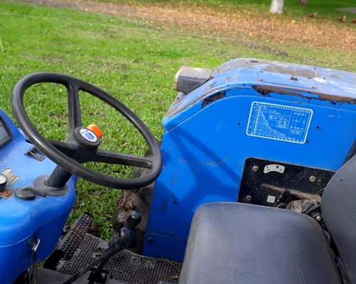 Excelente Tractor New Holland 8030