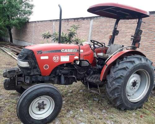 Tractor Agrícola Case Farmall 75, Tracción Simple.