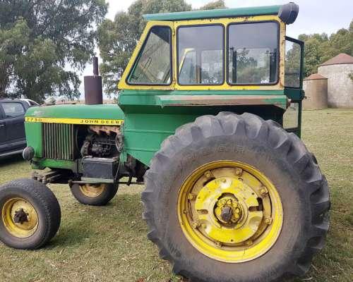 Tractor John Deere 2730 con 3 Puntos