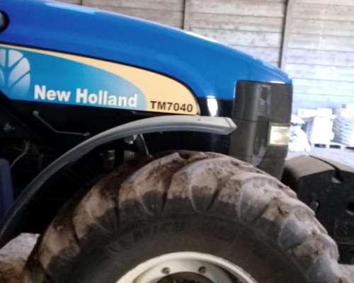Tractor New Holland TM 7040 año 2011 muy Bueno