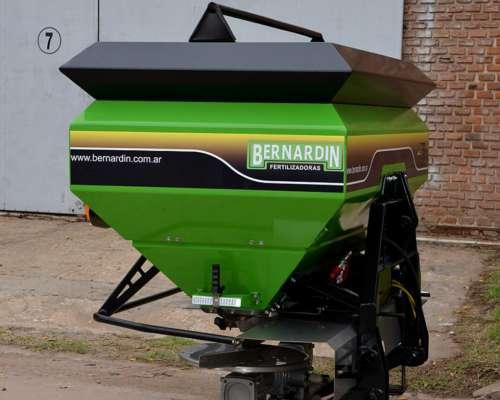 Fertilizadora Bernardin Primum FS-1250 Susp.