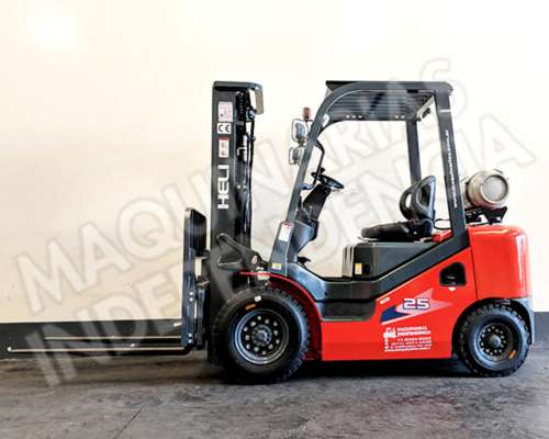 Autoelevador Heli 2500 Kg Nafta GAS CPQYD25 Nissan Desplazad