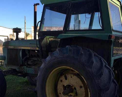 Tractor John Deere, Modelo 3140
