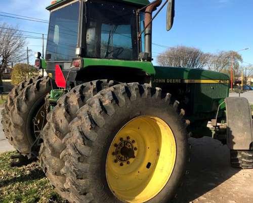 Tractor John Deere 4760, 200 HP.