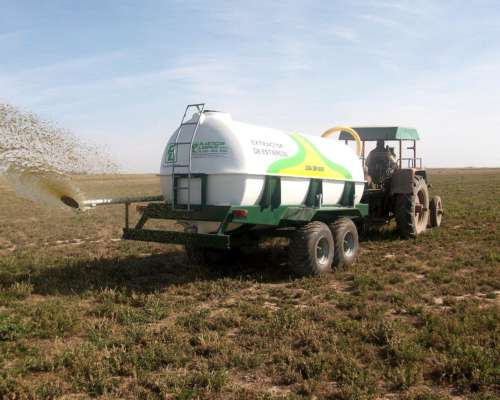 Estercolera 8000 Litros - Balancin - Plasticos Laspiur Srl