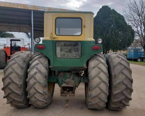 Tractor John Deere 4530 con Duales muy Bueno U$S 18000