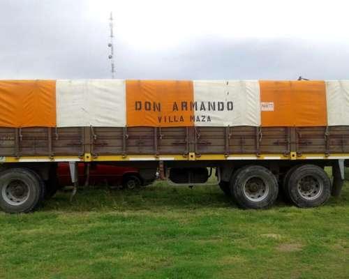 Acoplado Ombu Baranda Volcable año 2007 sin Gomas y sin Lona