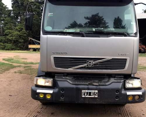 Camion Volvo VM 240 Impecable