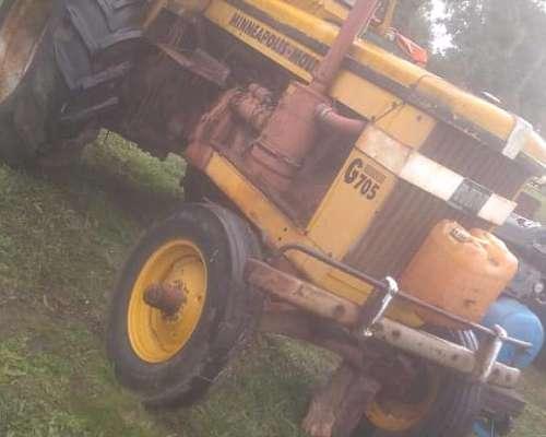 Vendo Tractor Minneapolis Moliner G705