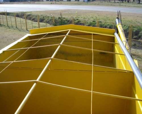 Tolva De 20 Tn De Fertilizante Y Semilla El Sol Con Chimango