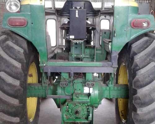 Tractor John Deere Modelo 4530