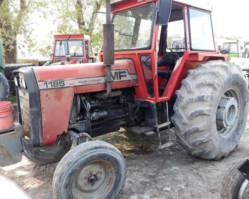 Tractor Massey Ferguson 1185 .