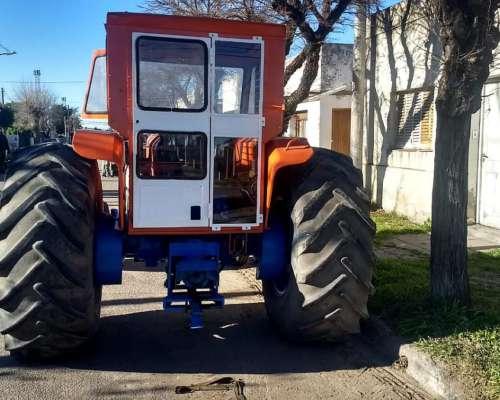 Tractor Fiat 900, año 1978