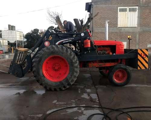Tractor Fiat 780r Invertido con Pala y Uñas